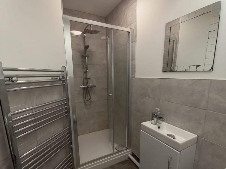 Oxney shower
